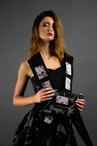 Uno dei capi illuminati e realizzati a mano da DressCoders sulla modella Lolita Hankulych